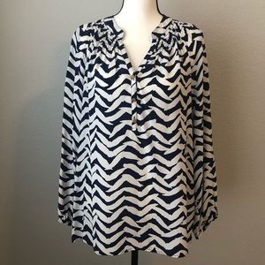 Lilly Pulitzer Navy and white Elsa Top - L